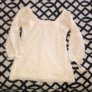 White 3/4 sleeve top size S